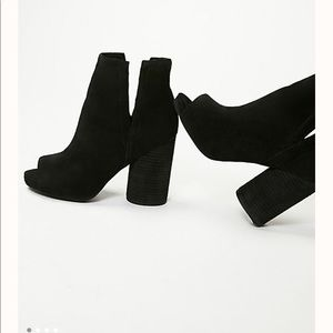 Pre Owned Jeffrey Campbell Infinity Heel Boots